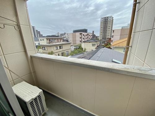 B-FLAT 303号室